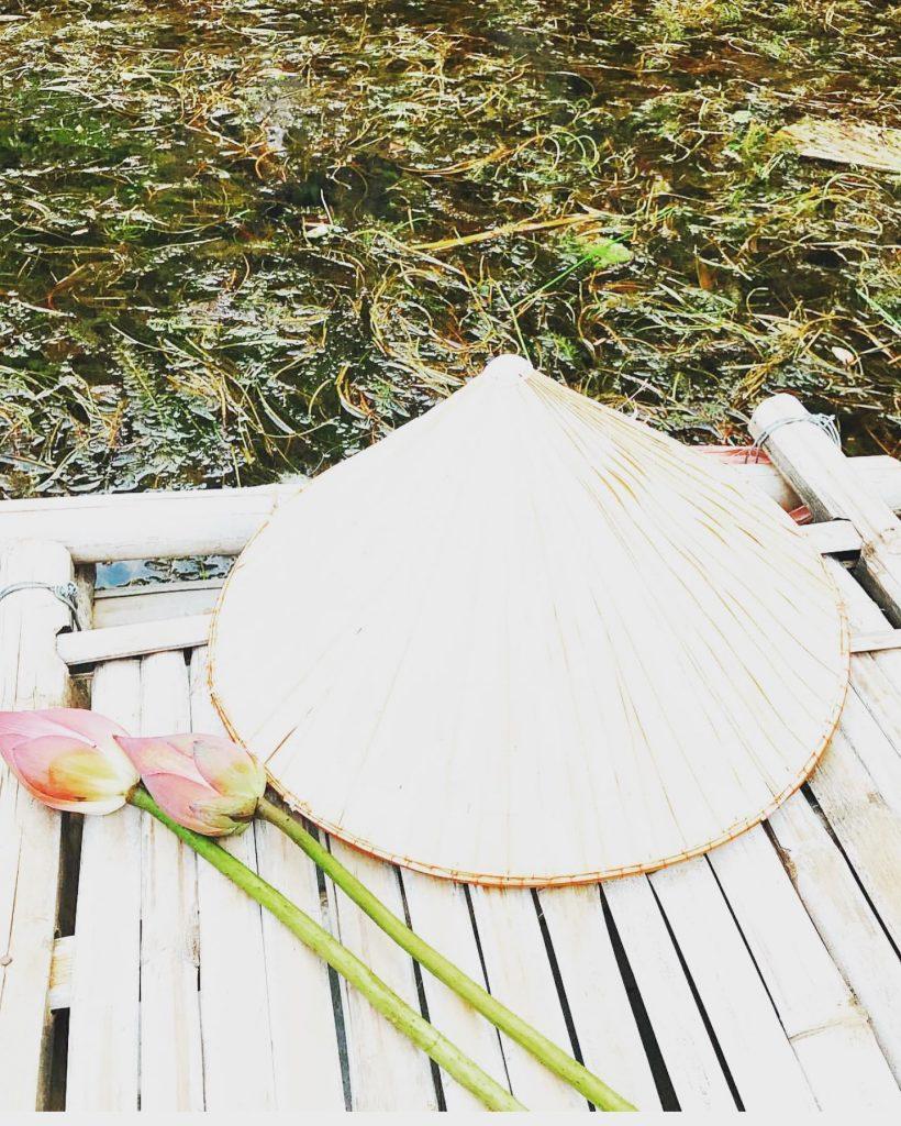 Ảo thuật nón lá truyền thống việt nam