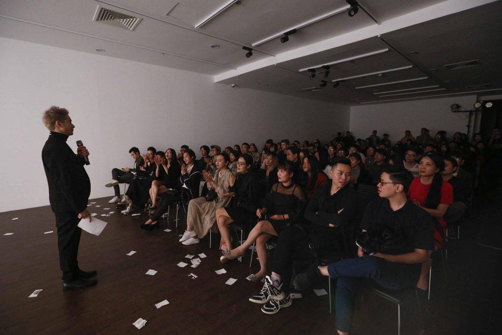 Huyễn Hoặc - show diễn ảo thuật tâm lý đầu tiên tại Việt Nam